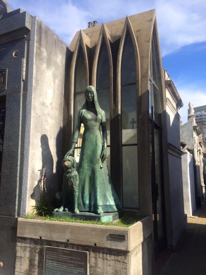 recoleta cemetery 15
